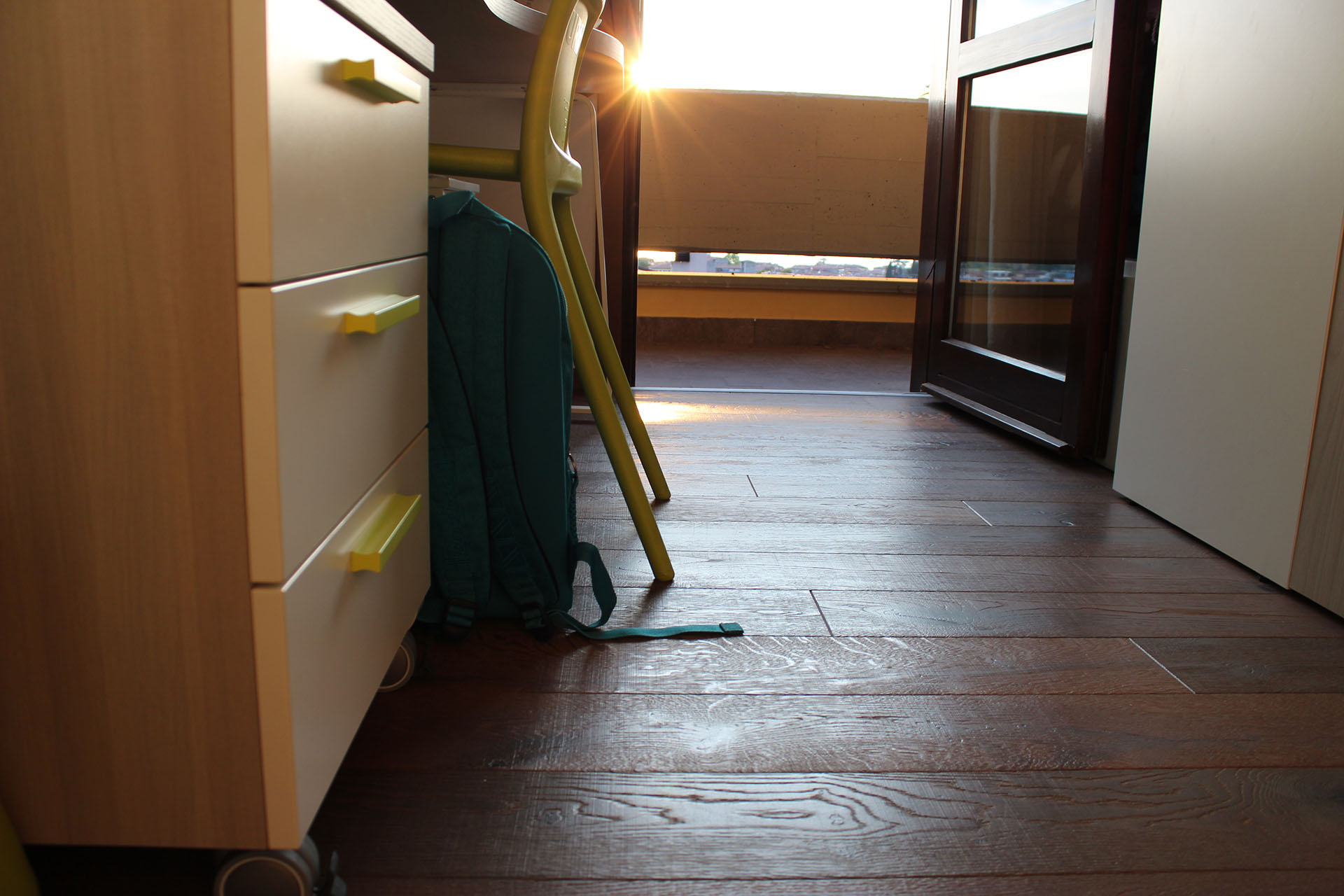 ristrutturazione pavimento e scala in legno rovere volto